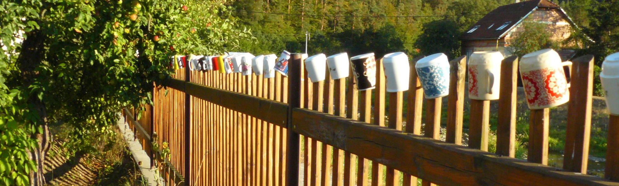 Hrníčkový plot